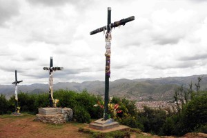 Cusco Crosses - next to their very own mini Cristo Redentor*